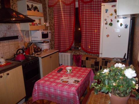 3-х комн. квартира в Голицыно изолированные комнаты, кирпичный дом - Фото 1