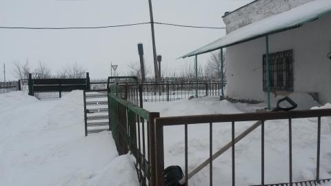 Здание 1500 кв/м. участок 1 га. в Лопатина - Фото 2