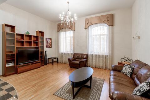 Солидная квартира с двумя спальнями на углу с Невским проспектом - Фото 2