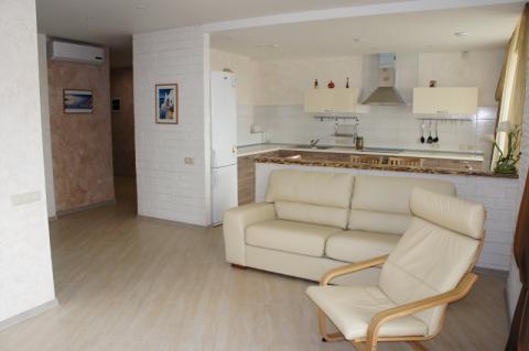 Сдается уютная трехкомнатная квартира - Фото 4