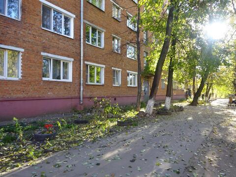 Комната в центре г. Серпухова на ул. Центральная 179 - Фото 1