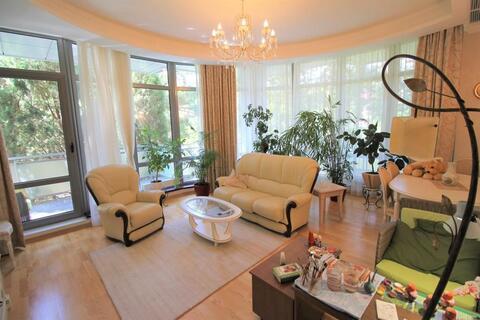 Продам 3 комнатные апартаменты в Алуште, ул.Парковой,5. - Фото 2