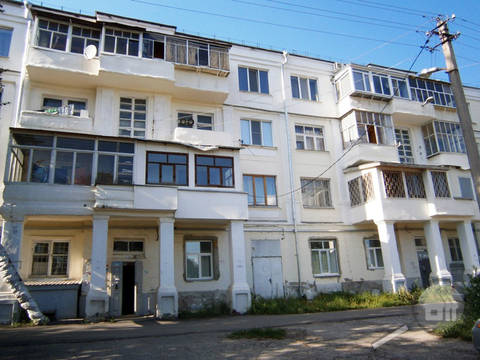 Продается комната с ок в 3-комнатной квартире, ул. Ленина - Фото 1
