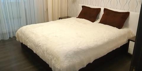 1 400 Руб., Сдам квартиру посуточно, на часы, Квартиры посуточно в Екатеринбурге, ID объекта - 318712748 - Фото 1