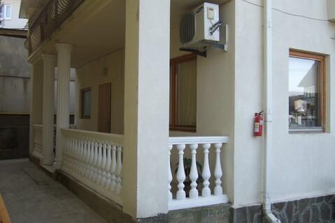 Коттедж в Сочи с ремонтом и мебелью в центральном районе - Фото 2
