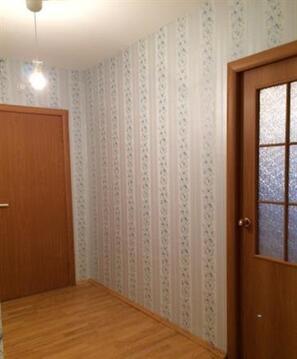 Продается двухкомнатная квартира на улице Московской, дом 108 - Фото 1