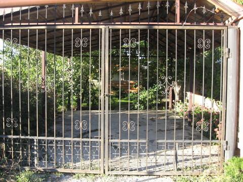 Продается Двухэтажный дом в пгт Гвардейское - Фото 1