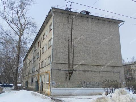 Продаю комнату 14 кв.м. проспект Героев 52