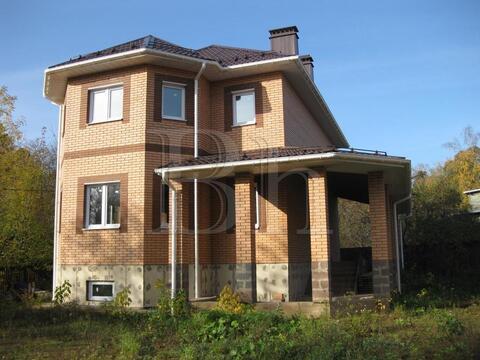 Продам двухэтажный кирпичный дом на Ярославском шоссе, 13 км от МКАД в . - Фото 1