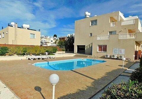 Прекрасный двухкомнатный Апартамент с большой верандой в Пафосе - Фото 1