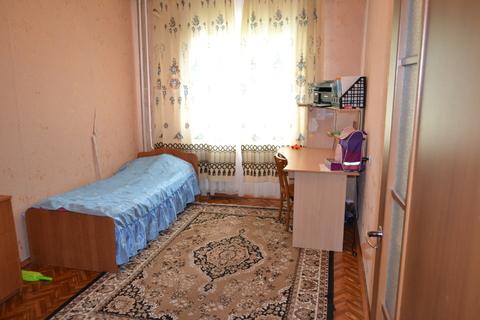 Просторная трешка в тихом районе, Продажа квартир в Новоалтайске, ID объекта - 328937907 - Фото 1