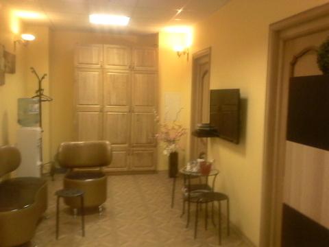 Действующий салон красоты 93 м2 с хорошим ремонтом, 45000 рублей в мес - Фото 1