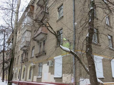 Просторная Двухкомнатная квартира в Сталинском доме с высоким потолком - Фото 1