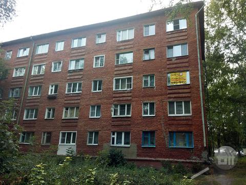 Продается комната с ок, ул. Германа Титова - Фото 1