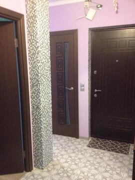 Продам двух комнатную квартиру в Сходне - Фото 1