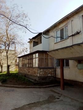 2-х комнатная кв.пгт.Черноморское,50 кв.м,300 м.от побережья - Фото 1