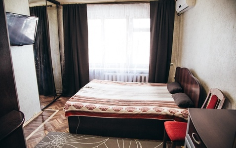 Нахичевань, район Тетральной площади, 3-комн. квартира - Фото 1