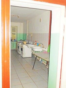Комната 13 (кв.м) в 4-х комнатной квартире. Этаж: 3/5 кирпичного дома. - Фото 3