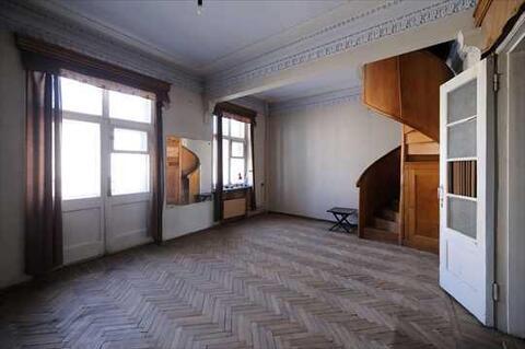 В продажу предлагается уникальная квартира с сохраненными элементами . - Фото 2