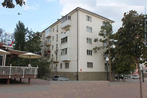 Трехкомнатная квартира в районе бульвара имени Черняховского. - Фото 1