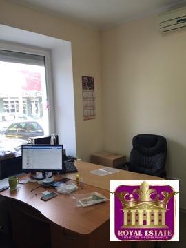 Сдам офис 15 м2 на первом этаже в центре на ул. Карла Маркса - Фото 1