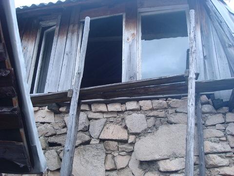 Участок в саду с каменным домом - Фото 2