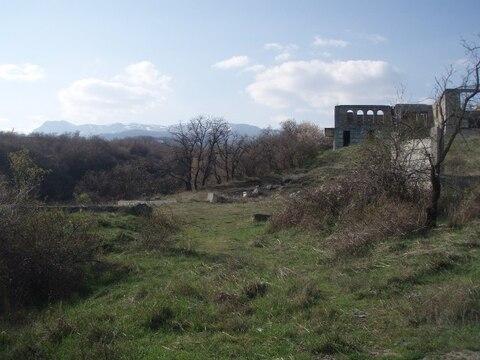 Недостроенное здание в Алуште пос. Верхняя Кутузовка. - Фото 3