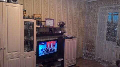 Продается 2 комнатная квартира в хорошем районе города - Фото 1