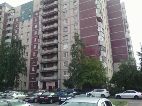 Продам 1-ую кв-ру 40 кв.м С.Петербург, ул.Стародеревенская, д.23, к.1 - Фото 1