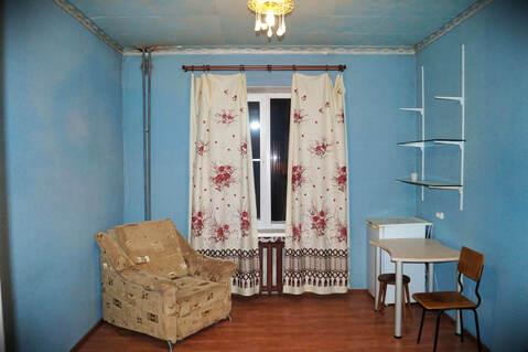 Продажа комнаты 14.2 м2 в трехкомнатной квартире ул Энергостроителей, . - Фото 1