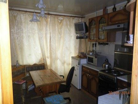 Продается 3-х комнатная квартира п. Белый городок, Кимрский район - Фото 1