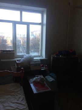 Продается комната в 3- комнатной коммунальной квартире на 2-м этаже 4- - Фото 1