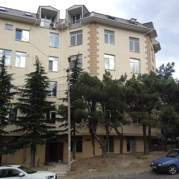 2-к квартира, 50 м2, 2/5 эт, с видом на море в Ялте - Фото 1