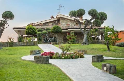Объявление №1907385: Продажа виллы. Италия