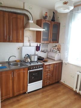 Продам 2-комнатную квартиру 57м, очень удобное месторамположение дома. - Фото 1