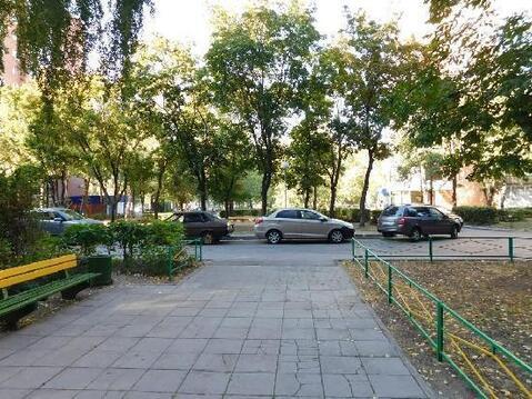 Продажа комнаты, Тольятти, Орджоникидзе б-р. - Фото 1