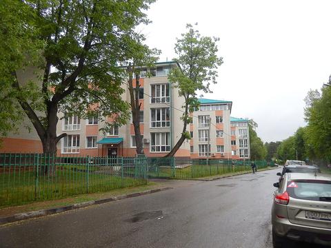 Двухкомнатная Квартира Москва, улица поселок Первомайское, Парковая, . - Фото 4