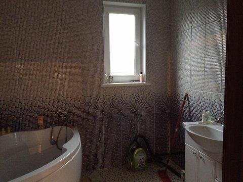 Дом в Машково 204м2 с евроремонтом со всеми коммун. на берегу озера - Фото 5