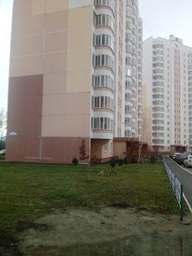 Продам 3-х ком. квартиру на пр. В. Клыкова, Купить квартиру в Курске по недорогой цене, ID объекта - 323629827 - Фото 1