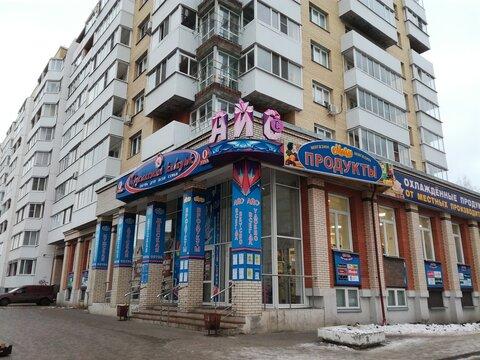 Просторная двухкомнатная квартира в центре, Купить квартиру в Архангельске по недорогой цене, ID объекта - 323121600 - Фото 1