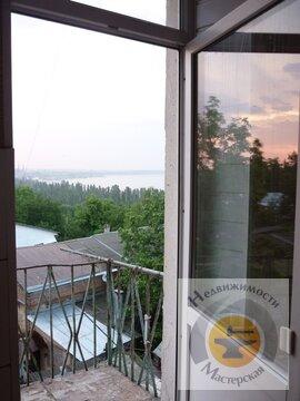Трехкомнатная квартира с видом на море. Сталинка, Купить квартиру в Таганроге по недорогой цене, ID объекта - 320929111 - Фото 1