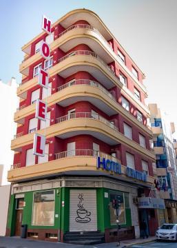 Предлагаю купить действующий отель с кафе, здание в центре курорта - Фото 1