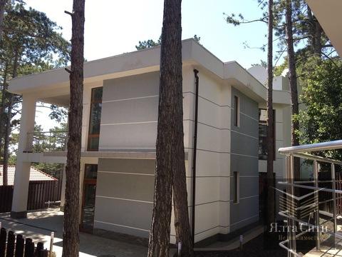 Современный коттедж с домиком для персонала в зеленом поселке Долоссы - Фото 2