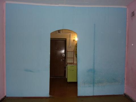 Продаётся 1-комнатная (студия) с высокими потолками в кирпичном доме - Фото 4