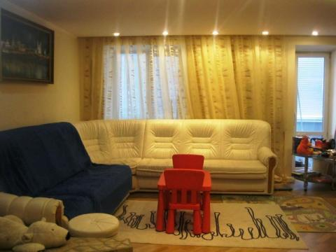 Серова 2 двухуровневая в московском районе панельный дом с мебелью - Фото 1