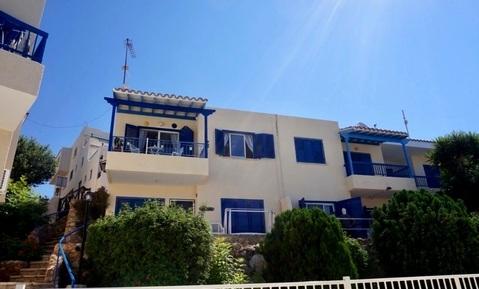Полуотдельный трехкомнатный Апартамент с видом на море в районе Пафоса - Фото 1