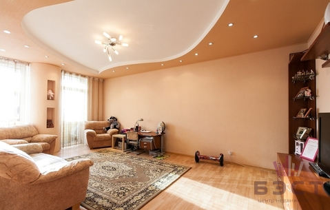 Квартира, ул. Крауля, д.44, Купить квартиру в Екатеринбурге по недорогой цене, ID объекта - 323064937 - Фото 1