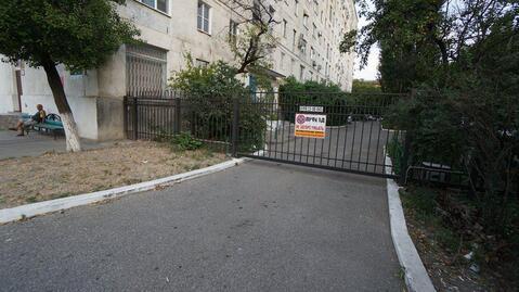 Купить двухкомнатную квартиру в самом центре города, по низкой цене. - Фото 1
