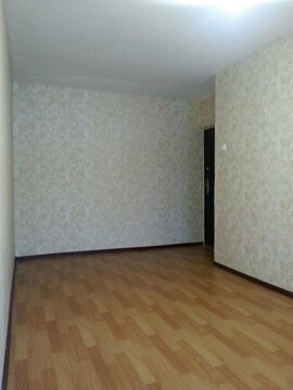 Молодогвардейцев,66а, комната 15 кв.м, в 4-х к.кв. - Фото 1