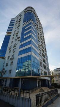 Двухкомнатная квартира в самом центре города, индивидуальной постройки. - Фото 1